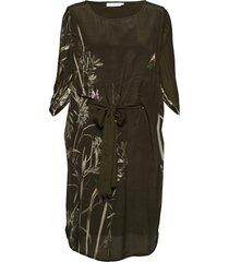 dress w. autumn fly print knälång klänning grön coster copenhagen
