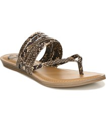 fergalicious silvia thongs women's shoes