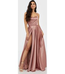 forever unique garnet dress maxiklänningar