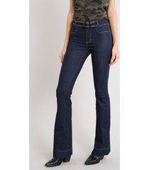 calça jeans feminina sawary flare com cinto azul escuro