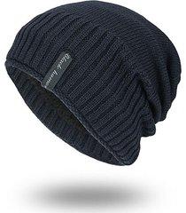 cappellino lavorato a maglia