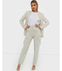 nly trend linen cargo pants byxor