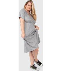 vestido gris minari cruzado plus size