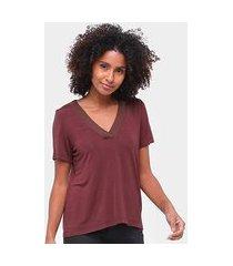 blusa mob tshirt decote retilínea lisa feminina