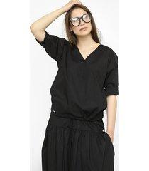 bawełniana bluzka jagna w czarnym kolorze