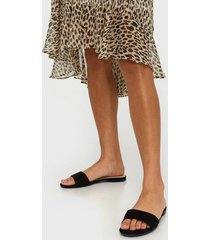 nly shoes low slip sandal tofflor svart