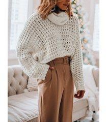 white hollow diseño suéter de manga larga con cuello chimenea