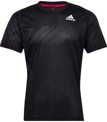 freelift printed tee heat.rdy t-shirts short-sleeved svart adidas performance