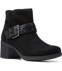 clarks women's hollis star buckled booties women's shoes