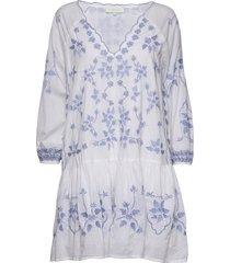 delia kaftan knälång klänning blå by malina