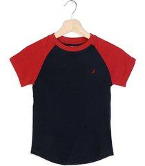 camiseta azul-rojo nautica