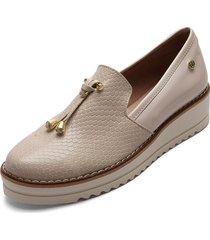 zapato beige charol moca corina 7817