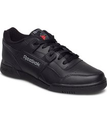 workout plus låga sneakers svart reebok classics