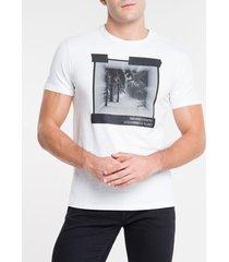 camiseta masculina earth connected branca calvin klein jeans - pp