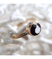 black star pierścionek z czarnym diamentem