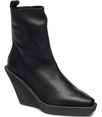 ubah shoes boots ankle boots ankle boot - heel svart nude of scandinavia