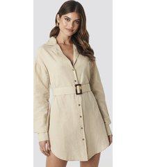 hannalicious x na-kd belted oversized linen look shirt dress - beige