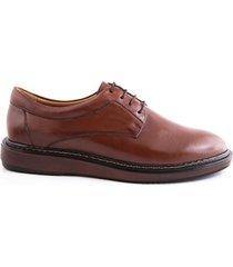 zapatos de amarrar derby en cuero café caprino