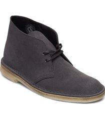 desert boot desert boots snörskor grå clarks originals