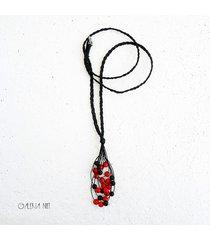 czerwone i czarne naszyjnik