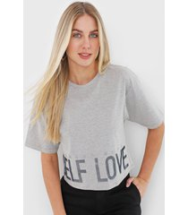 camiseta morena rosa self love cinza
