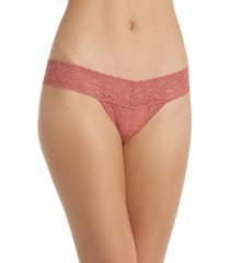 women's hanky panky signature lace low rise thong, size one size - pink