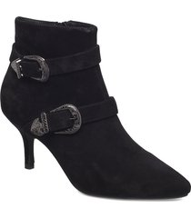 ann s shoes boots ankle boots ankle boots with heel svart shoe the bear
