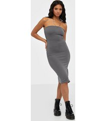 nly trend off duty tube dress fodralklänningar