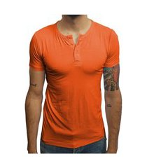 camiseta henley manga curta laranja