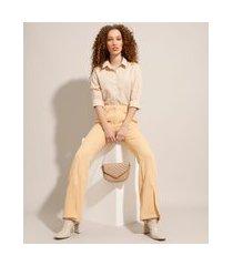 calça alfaiataria flare com fenda cintura alta bege