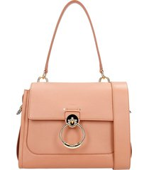 chloé tess big shoulder bag in rose-pink leather