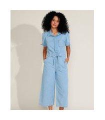 macacão jeans feminino pantacourt com bolsos manga curta azul claro