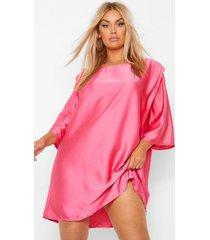 plus satijnen loshangende jurk met schouderpads en driekwarts mouwen, pink
