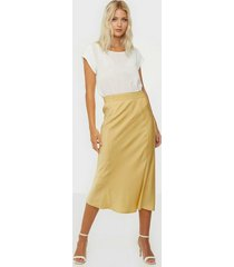 calvin klein elasticated bias cut midi skirt midikjolar