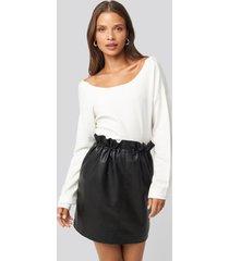 na-kd trend drawstring pu skirt - black