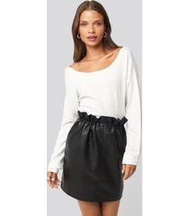na-kd trend drawstring pu skirt - black