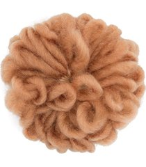 caffe' d'orzo embroidered flower brooch - brown