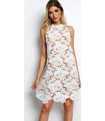 vestido de encaje con diseño hueco blanco con forro