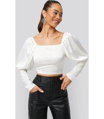 na-kd boho cropped puff sleeve satin blouse - white