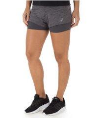 shorts asics color 2in1 - feminino - cinza esc mescla