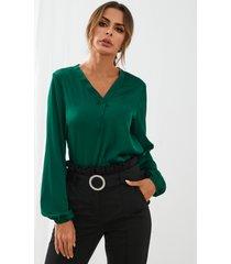 yoins elegante blusa de satén con cuello en v y mangas farol
