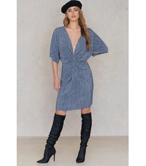 na-kd pleated knot front dress - blue