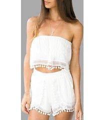 conjunto de pantalones cortos con pompones transparentes blancos