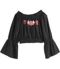 blusa crop parche rosas negro nicopoly