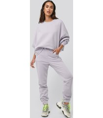 na-kd buckle elasticated waist joggers - purple