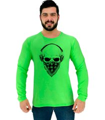 camiseta manga longa moletinho alto conceito caveira bandt music headphone verde neon - verde - masculino - algodã£o - dafiti