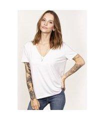 camiseta cora básico decote v ampla modal feminina
