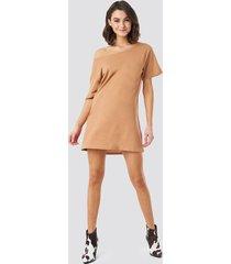 na-kd one shoulder t-shirt dress - beige
