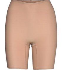 soft stretch high waist mid-thigh short shapewear underkläder beige chantelle