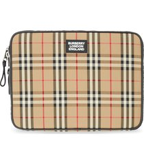burberry vintage check zipped pouch - neutrals